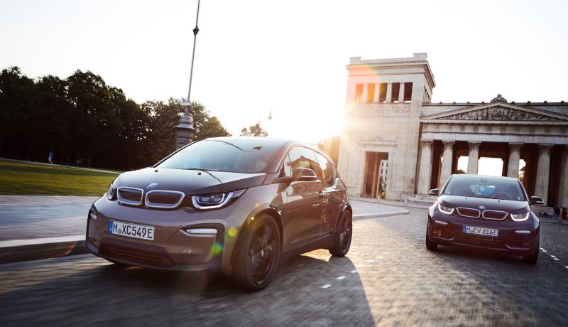 Bmw I3 Und Renault Zoe Fuhren Elektroauto Zulassungen An
