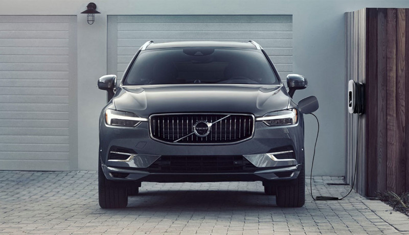 Der Volvo XC60 Recharge T6 AWD.