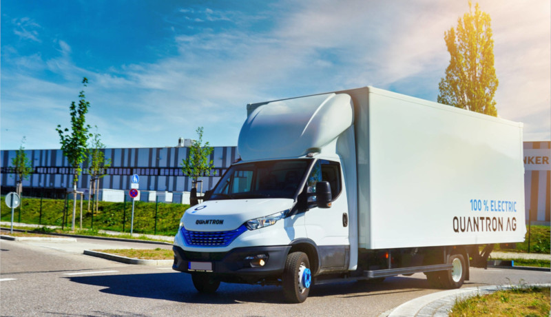 Quantrons erster Wasserstoff-Transporter basiert auf dem Iveco Daily.