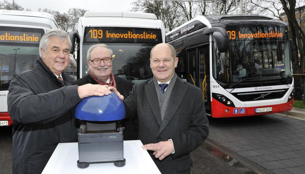Innovationslinie Hamburg:  Volvo Elektro-Hybridbus und andere alternativ betriebene Busse starten Linienbetrieb (mit Video)