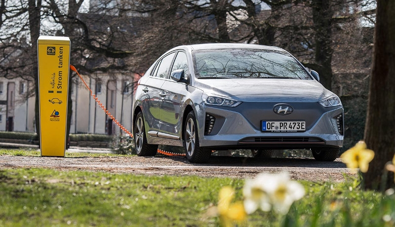 "Wochenrückblick KW13: Hyundai Ioniq startet gut +++ car2go stockt E-Flotte auf +++ ""Autonomous Vehicle for All"""