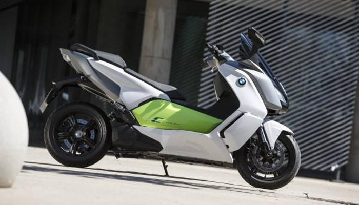 Der Elektroscooter BMW C evolution